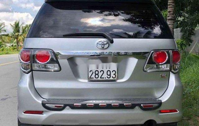 Bán gấp chiếc Toyota Fortuner sản xuất 2019, xe còn mới, giá ưu đãi1
