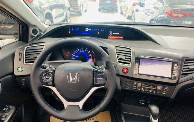 Cần bán gấp Honda Civic sản xuất 2015, xe gia đình9