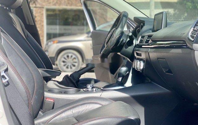 Cần bán gấp chiếc Mazda 3 sản xuất năm 2015, xe một đời chủ giá mềm4