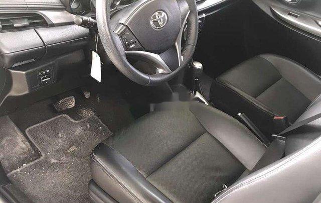 Bán gấp với giá thấp chiếc Toyota Vios sản xuất 2016, chính chủ sử dụng6