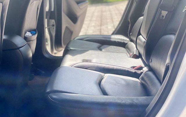 Cần bán gấp chiếc Mazda 3 sản xuất năm 2015, xe một đời chủ giá mềm9