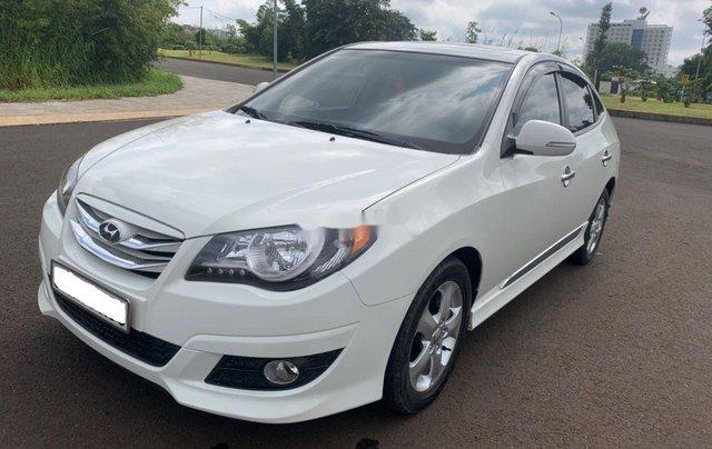 Cần bán gấp Hyundai Avante sản xuất 2013, xe chính chủ giá mềm1