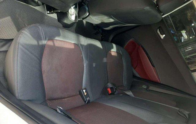 Bán ô tô Hyundai Grand i10 năm sản xuất 2018, xe chính chủ còn mới8