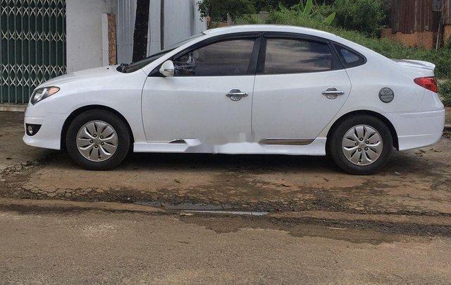 Cần bán xe Hyundai Avante đời 2011, màu trắng, xe nhập2