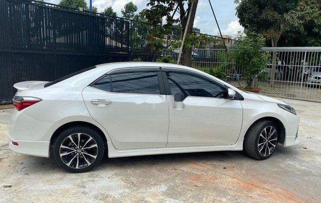 Cần bán gấp Toyota Corolla Altis năm sản xuất 2019, biển Sài Gòn, còn đẹp4