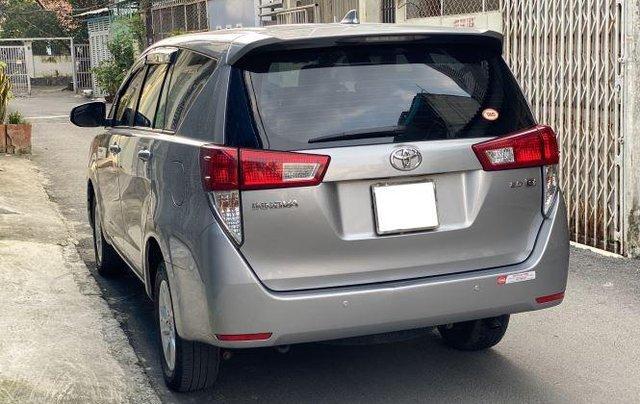 Cần bán lại xe Toyota Innova 2.0E đời 2020, màu xám số sàn, giá 637tr1