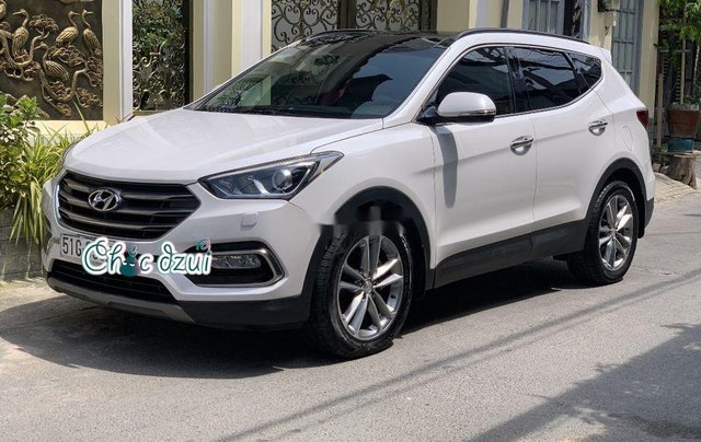 Bán Hyundai Santa Fe sản xuất 2018, số tự động, giá 979tr3
