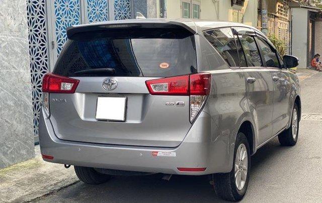 Bán lại xe Toyota Innova 2.0E đời 2019, màu bạc số sàn3