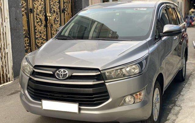 Bán lại xe Toyota Innova 2.0E đời 2019, màu bạc số sàn2