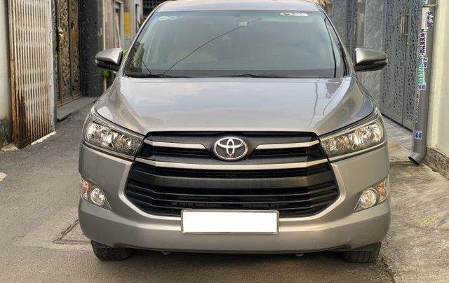 Cần bán lại xe Toyota Innova 2.0E đời 2020, màu xám số sàn, giá 637tr0