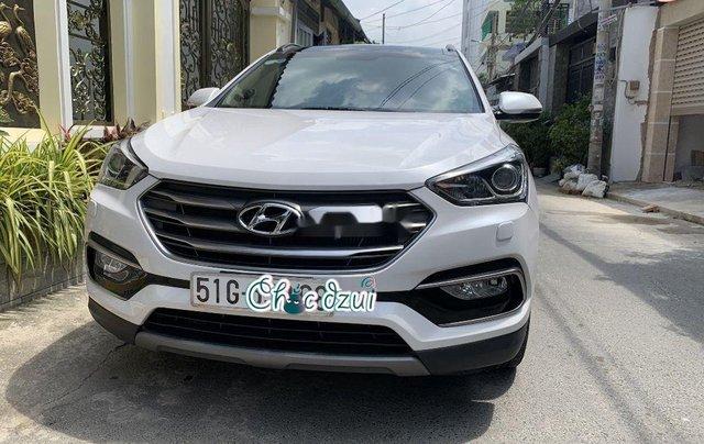 Bán Hyundai Santa Fe sản xuất 2018, số tự động, giá 979tr4