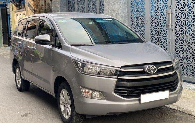 Bán lại xe Toyota Innova 2.0E đời 2019, màu bạc số sàn1