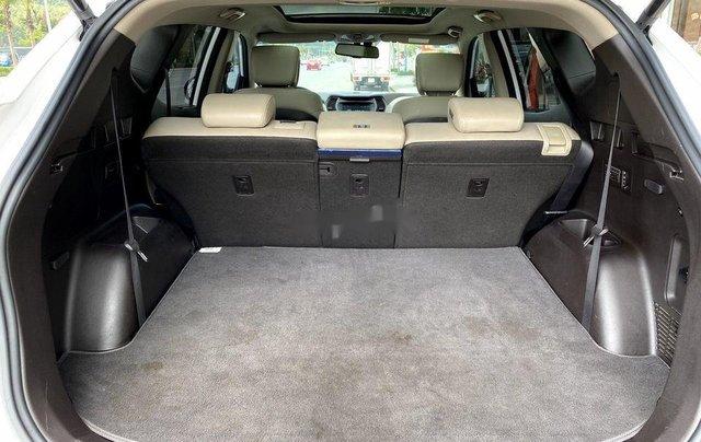 Bán xe Hyundai Santa Fe đời 2019, màu trắng số tự động, máy dầu3