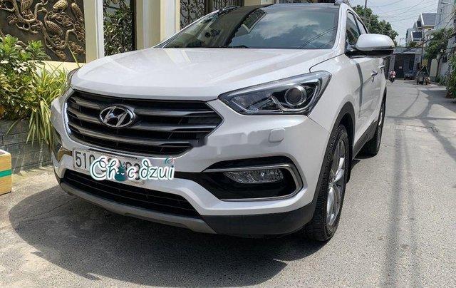 Bán Hyundai Santa Fe sản xuất 2018, số tự động, giá 979tr1