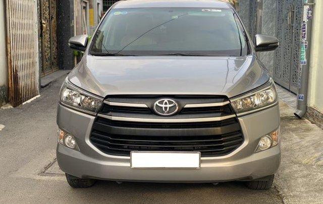 Bán lại xe Toyota Innova 2.0E đời 2019, màu bạc số sàn0