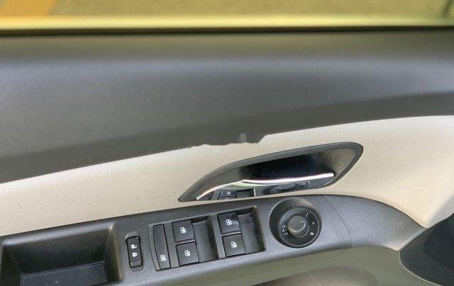 Cần bán xe Chevrolet Cruze năm 2016 còn mới8