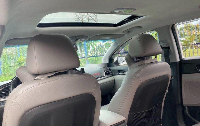 Cần bán Hyundai Elantra đời 2017, màu trắng, nhập khẩu 6