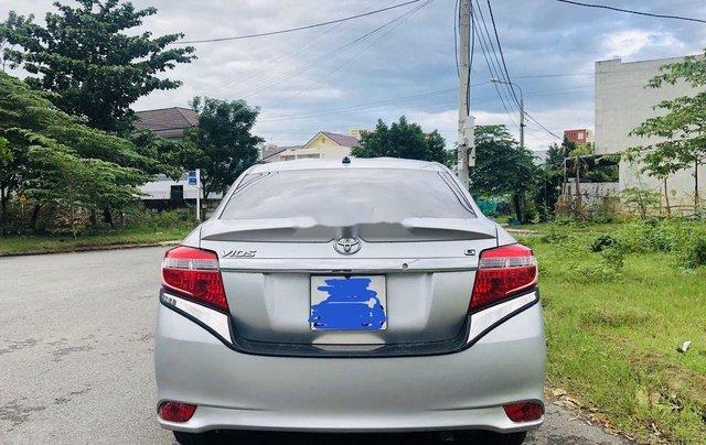 Bán Toyota Vios sản xuất năm 2015, màu bạc số tự động5