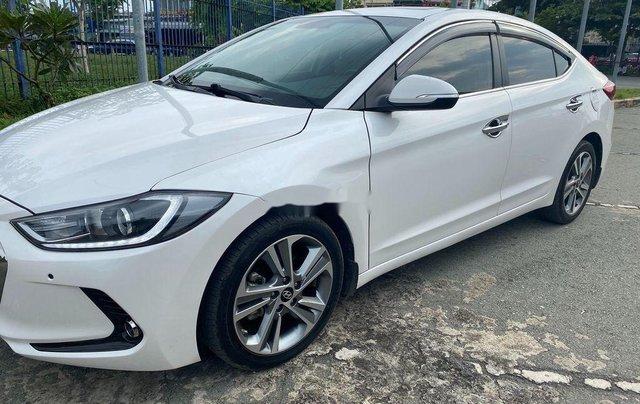 Cần bán Hyundai Elantra đời 2017, màu trắng, nhập khẩu 3