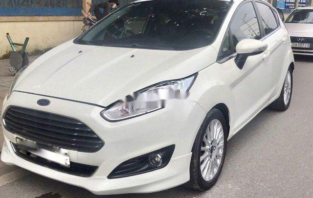 Chính chủ bán Ford Fiesta sản xuất năm 2016, màu trắng0