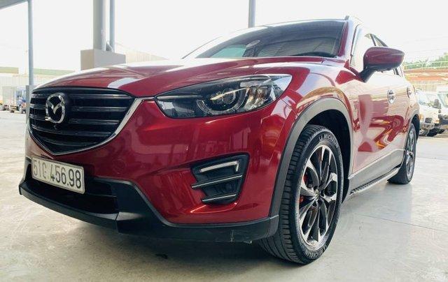 Bán gấp với giá thấp chiếc Mazda 5 năm sản xuất 2017, màu đỏ, giá tốt0