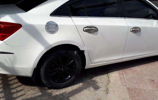 Cần bán lại xe Chevrolet Cruze sản xuất năm 2016, màu trắng chính chủ3
