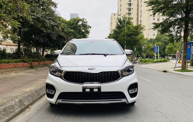 Bán xe Kia Rondo năm sản xuất 2018, màu trắng như mới0
