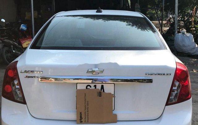 Cần bán Chevrolet Lacetti đời 2012, màu trắng ít sử dụng0