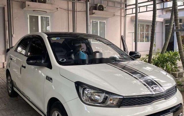 Cần bán gấp Kia Soluto năm sản xuất 2019, màu trắng, số sàn2