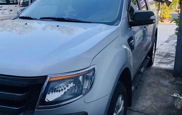Cần bán xe Ford Ranger đời 2014, màu bạc, xe gia đình, giá 525 triệu đồng0