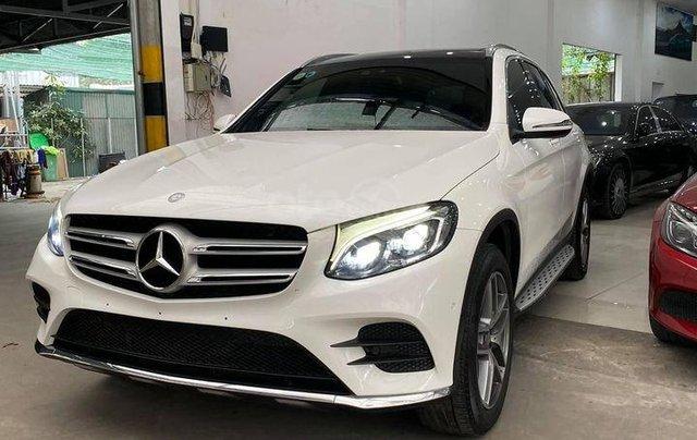 Mercedes-Benz GLC 300 model 2017 màu trắng0