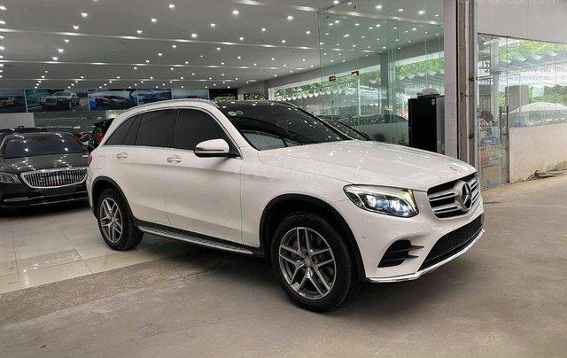 Mercedes-Benz GLC 300 model 2017 màu trắng1