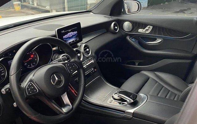 Mercedes-Benz GLC 300 model 2017 màu trắng4