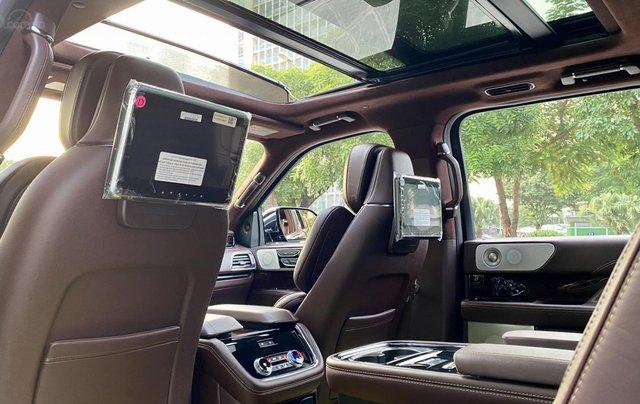Bán xe Lincoln Navigator L Black Label sản xuất 2020, màu đen, nhập khẩu Mỹ13