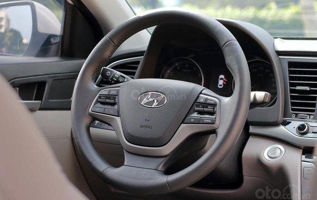 Bán xe Hyundai Elantra GLS 2.0L, màu trắng7