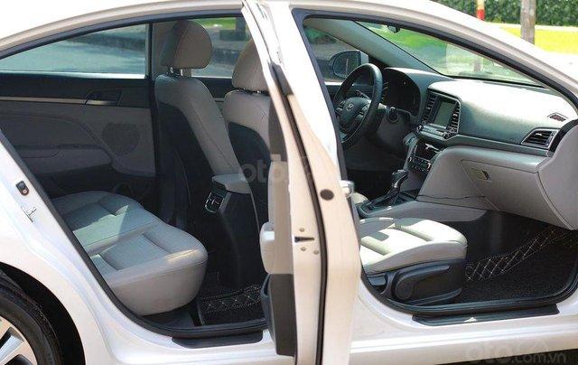 Bán xe Hyundai Elantra GLS 2.0L, màu trắng6