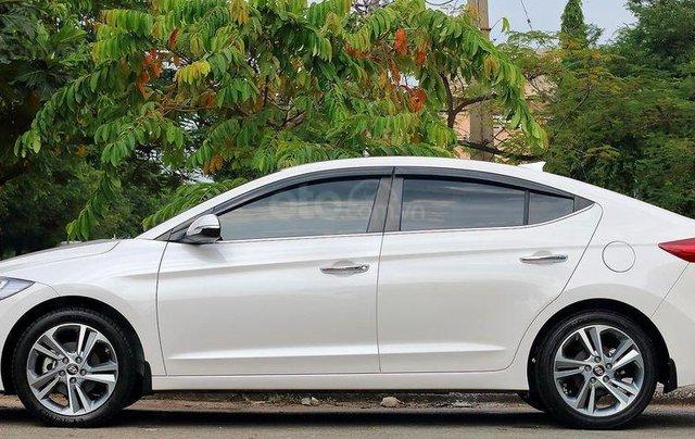 Bán xe Hyundai Elantra GLS 2.0L, màu trắng1