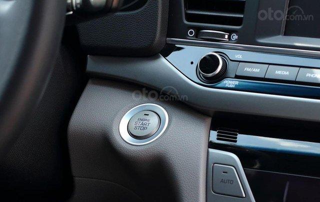 Bán xe Hyundai Elantra GLS 2.0L, màu trắng8