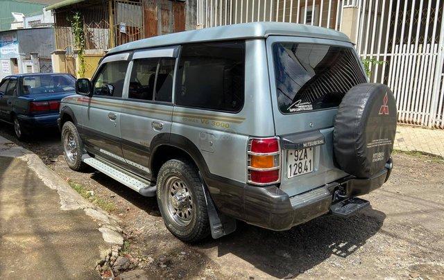 Cần bán lại chiếc Mitsubishi Pajero i4 2.4 đời 2000, giá thấp, xe hoạt động tốt1