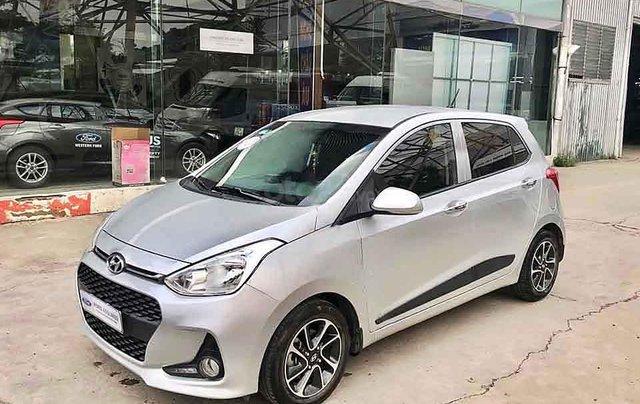 Cần bán Hyundai Grand i10 năm sản xuất 2016, màu bạc, nhập khẩu ít sử dụng, giá 288tr0