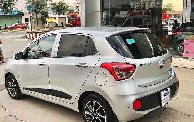 Cần bán Hyundai Grand i10 năm sản xuất 2016, màu bạc, nhập khẩu ít sử dụng, giá 288tr3
