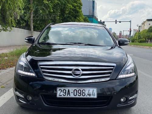 Bán gấp chiếc Nissan Teana 2.0, số tự động, đời 2011, xe chính chủ giá mềm0