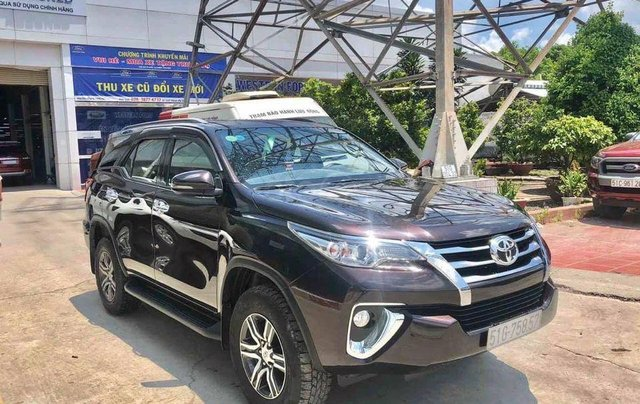 Bán Toyota Fortuner 2.7V SX 2018, số tự động, máy xăng0