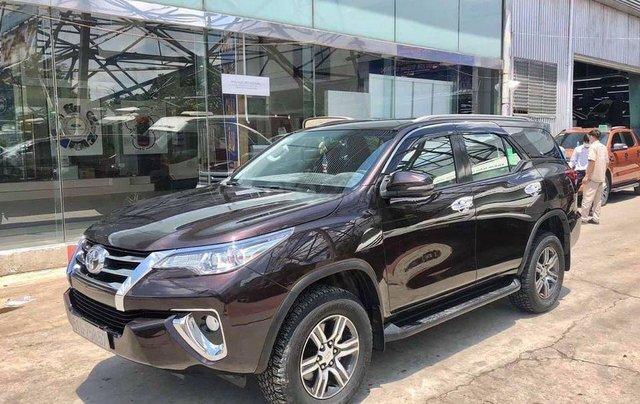 Bán Toyota Fortuner 2.7V SX 2018, số tự động, máy xăng3