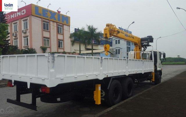 Xe tải gắn cẩu 8 tấn Hino FM2