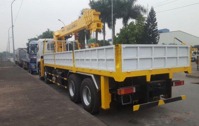 Xe tải gắn cẩu 12 tấn Dongfeng2