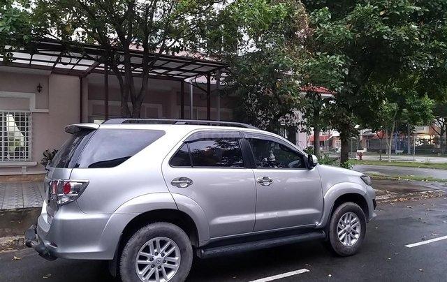 Chính chủ bán xe Toyota Fortuner sản xuất 2014, màu bạc, xe như mới, gia đình đi ít1