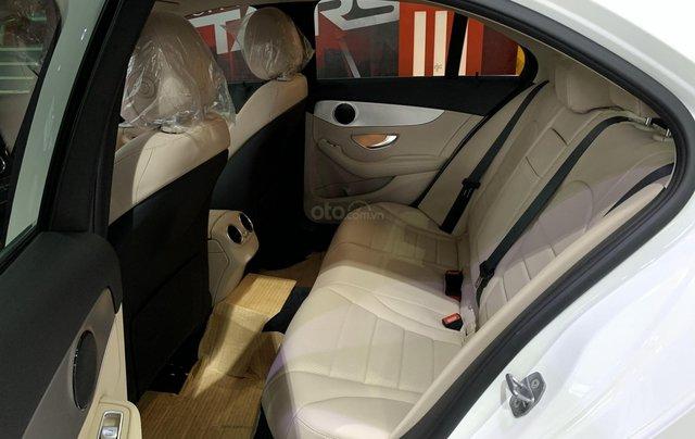 Mercedes C180 - trẻ trung, năng động, giá cực tốt5