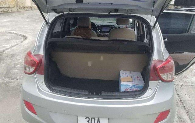 Cần bán lại xe Hyundai Grand i10 2014, màu bạc, nhập khẩu1