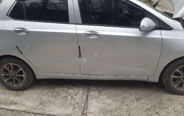 Cần bán lại xe Hyundai Grand i10 2014, màu bạc, nhập khẩu0